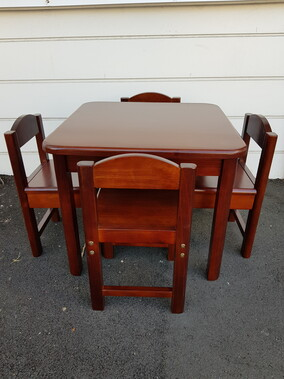 Poppy Roberts Wooden Table and 4 Chairs